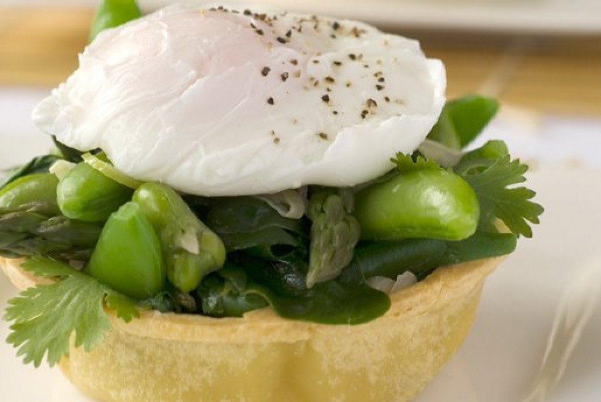 Green Vegetable Tart with Poasched Egg