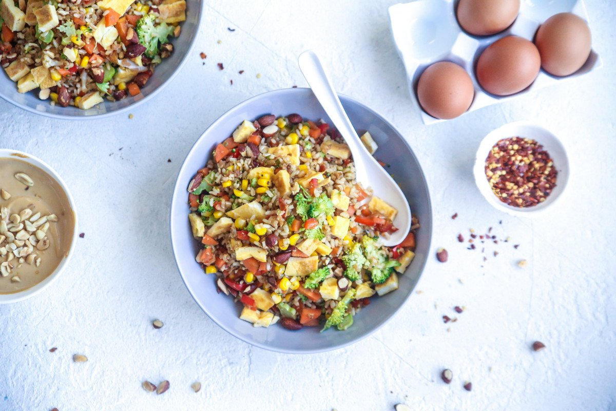 Jacqueline Alwill Egg cauliflower and veggie fried rice with peanut satay 3